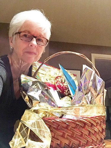 Gail Morris wins the NSTT Basket of Art 2015