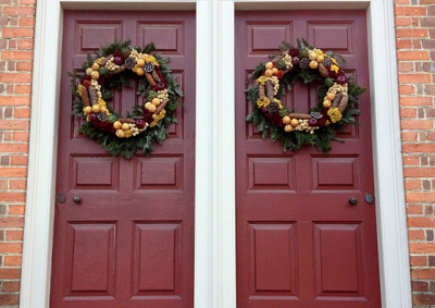 Tips For Hanging Holiday Decorations Without Damage